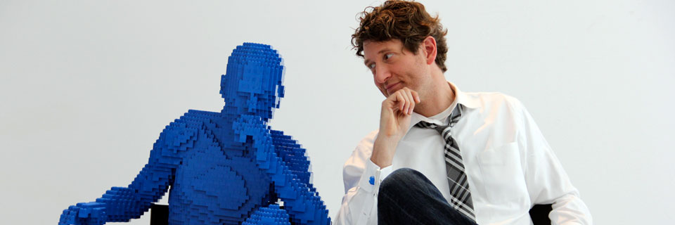 Nathan Sawaya , the brickartist